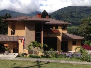 Photo of Casa De Montaña Bed & Breakfast