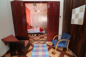 Deluxe Double Room with Balcony and Shared Bathroom
