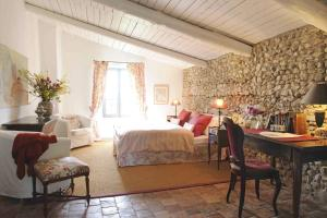 Mas de la Pierre du Coq, Bed and breakfasts  Aubignan - big - 2