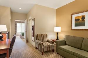 One-Bedroom King Suite - Disability Acces/Non-Smoking