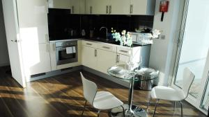 TheHeart Serviced Apartments - 14 of 24