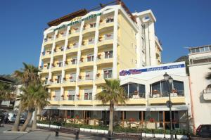 Grand Hotel Victoria, Hotely  Bagnara Calabra - big - 25