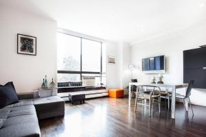 One-Bedroom Apartment - Hudson Place