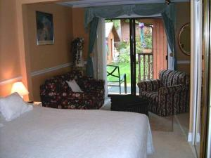 Mountain Bed & Breakfast, Bed and Breakfasts  North Vancouver - big - 8
