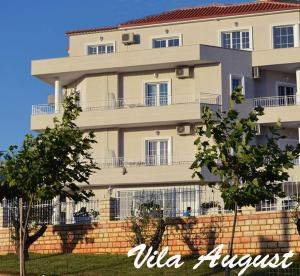 Photo of Guesthouse Villa August Ksamil