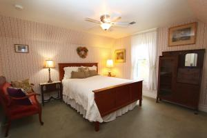 Photo of Case Ranch Inn Bed And Breakfast