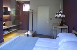 Deluxe Double Room with Balcony - 1