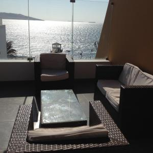 Apartment with Sea View (9 Adults)