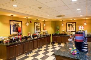 Hampton Inn & Suites Sacramento-Elk Grove Laguna I-5, Hotels  Elk Grove - big - 26