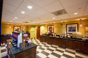 Hampton Inn & Suites Sacramento-Elk Grove Laguna I-5, Hotels  Elk Grove - big - 31