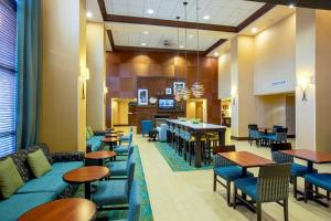 Hampton Inn & Suites Sacramento-Elk Grove Laguna I-5, Hotels  Elk Grove - big - 40