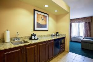 Hampton Inn & Suites Sacramento-Elk Grove Laguna I-5, Hotels  Elk Grove - big - 9
