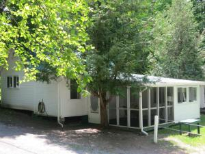 Two-Bedroom Cottage - Lower Level
