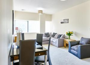 Charter House Serviced Apartments - Shortstay MK in Milton Keynes, Buckinghamshire, England