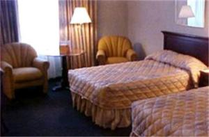 Double Room with Two Double Beds - Pool View/Non-Smoking