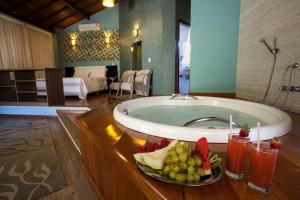 Chalet with Spa Bath