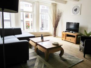 136-2 Cozy Spacious Jordaan Apartment