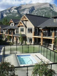 Photo of Rocky Mountain Getaway