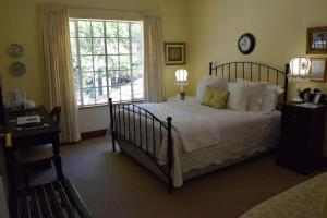 Schreiner Double Room with Private Bathroom