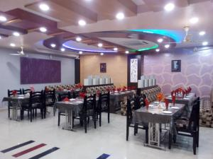 Friends Hotel & Restaurant, Hotely  Bijainagar - big - 15
