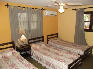 Triple Room 2 beds with Private Bathroom