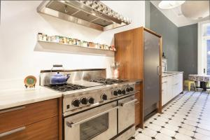 Five-Bedroom Apartment - East 12th Street