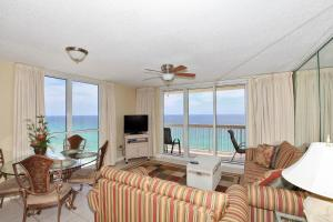 Two-Bedroom Apartment 1701 with Sea View