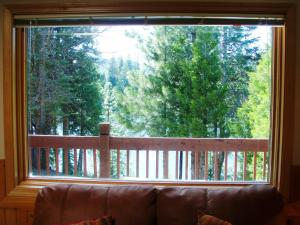 Premium Two-Bedroom Chalet with Lake View