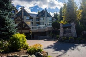 Photo of Wildwood Lodge By Peak To Green Accommodations