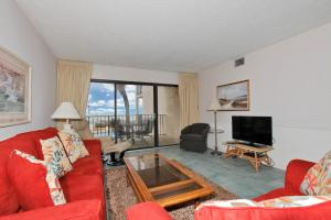 Two-Bedroom Apartment with Sea View 205