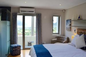 Deluxe Double Room with Ocean View - Penguin