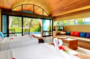 Beach Front Bungalow 2 Full Beds