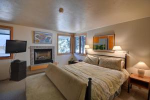 Deluxe Two-Bedroom Townhouse