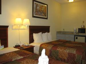 Deluxe Double Room with Two Double Beds - Smoking