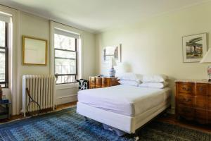 Four-Bedroom Apartment - East 84th Townhouse II