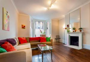 Valet Apartments Ladbroke Grove in London, Greater London, England