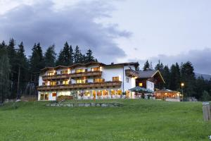 Photo of Familienhotel Moos Alm