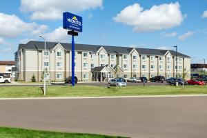 Photo of Microtel Inn & Suites By Wyndham Dickinson
