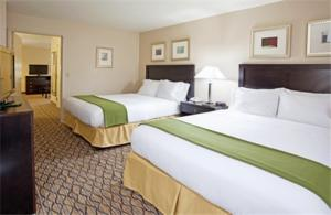 Deluxe Queen Room with Two Queen Beds - Disability Access