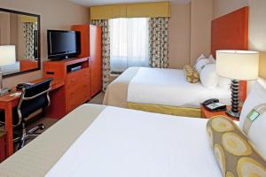 Deluxe Double Room with Two Double Beds - Disability Access Hearing Accessible