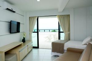 Luxury Triple Apartment with Sea View (3 Adults + 2 Children)