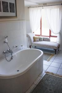 Riversong Guest House, Guest houses  Cape Town - big - 47