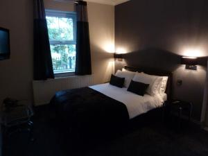 The Castle, Bed and Breakfasts  Norwich - big - 5