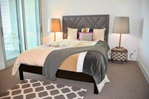 Photo of Airy 2 Bedroom Melrose Suite