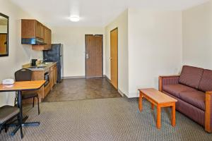 Deluxe Double Room - Disability Access - Smoking