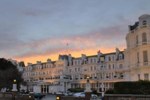 King Edwards Parade, Eastbourne,  East Sussex, BN21 4EQ.