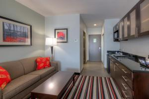 King Suite with Sofa Bed and Kitchenette