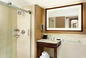 Deluxe King Room - High Floor with Free Wi-Fi