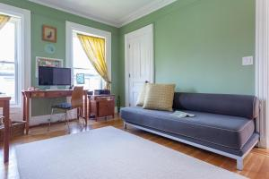 Three-Bedroom Apartment - President Street Townhouse