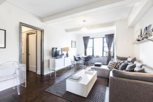 One-Bedroom Apartment - Jackson Square